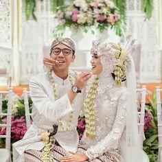 ___________________ Thanks to all vendors: Attire Akad: Attire Resepsi: Beskap : Siger & Hijab Do : MUA: Decor: Catering: Photo & Video : Photobooth: Souvenir & Invitation : WO, MC, Entertainment, Adat: Hand Bouquet: Nail Art: Hijabi Wedding, Muslimah Wedding Dress, Hijab Bride, Wedding Poses, Wedding Attire, Wedding Bride, Kebaya Wedding, Wedding Tips, Javanese Wedding