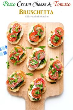 Pesto Bruschetta super easy, extremely flavorful and delicious appetizer recipe made with 4 basic ingredients - Bread, pesto, cream cheese and tomatoes. Tomato Bruschetta, Bruschetta Recipe, Pesto Recipe, Quick Appetizers, Appetizer Recipes, Delicious Appetizers, Italian Appetizers, Canapes, Sauces