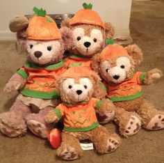 Duffy and Shellie May dressed for Halloween #Duffy #ShellieMay #DuffyTheDisneyBear #DisneyBearCousins