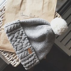 HANDARBEIT SELBST GEMACHT Knitting Patterns Free, Knit Patterns, Free Knitting, Baby Knitting, Cable Knit Hat, Crochet Cap, Knitting Accessories, Knitting Needles, Crochet Clothes