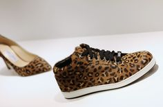 Les sneakers Jimmy Choo dans la boutique La Suite