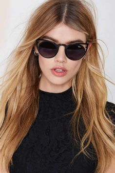 Quay Invader Shades - Black | Shop Eyewear at Nasty Gal