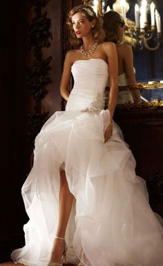 High-low Galina Signature wedding dress @David Nilsson Nilsson Shack bridal! SO BEAUTIFUL! MUST HAVE