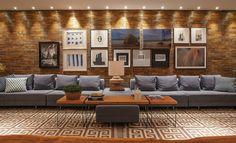 tapete geometrico bege e branco Inside A House, American Decor, Elle Decor, Room Inspiration, Decor Styles, Art Decor, Living Room Decor, Sweet Home, House Design