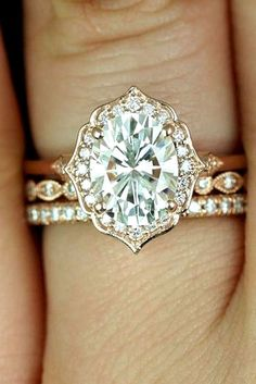 Vintage Engagement Rings Antique Wedding Rings 16 #vintagerings #UniqueEngagementRings