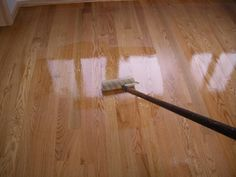 How to apply polyurethane floor finish, which applicator works best for applying polyurethane finish, tips, techniques. Effortlessly apply like a pro for smooth, gleaming hardwood floors