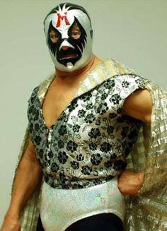 Mil Mascaras ayudó a popularizar el estilo de lucha libre en los Estados Unidos y Japón, y dio lugar a una generación de spin-offs de Jushin Liger a Ultimo Dragon y más allá.