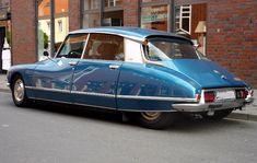 Citroen DS in the Pallas version.
