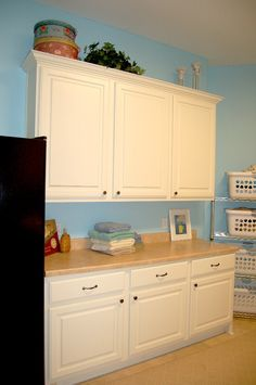 Laundry Room - like the paint color