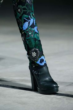 Kenzo Fall 2015 Ready-to-Wear Accessories Photos - Vogue