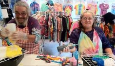 Live Free and Tie Dye - Make your own tie dye stuff (kids would enjoy this)