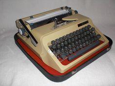 Mechanische Reiseschreibmaschine Erika Daro mechanical typewriter