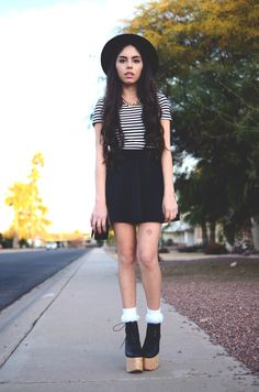 What I wore: F21 top & skirt, Payless socks, Deandri Tequila, thrifted gold chain, H hat