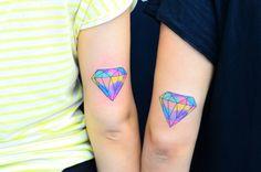 Diamond tattoo elmas dovmesi water color diamond tattoo sulu boya efektli elmas dovmesi ali yuksel ali baba tattoo bodrum tattoo bodrum dovme renkli dovme color tattoo