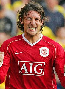 Former Manchester United defender Gabriel Heinze to land San Lorenzo job? Manchester United Players, The Day Will Come, Red Army, Old Trafford, Fa Cup, Premier League, Gabriel, How To Memorize Things, The Unit
