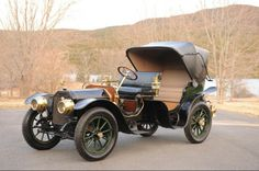 1910 Peerless Model 29 Park Phaeton/Victoria with coachwork by Brewster & Co.- (Peerless Motor Company Cleveland, Ohio 1900-1931)