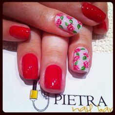 Nail floral