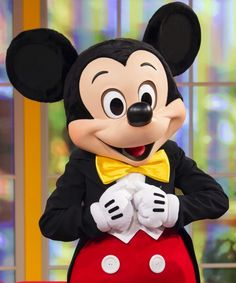 Netflix announced it will be the official home of Disney streaming starting in September. Mickey Y Minnie, Disney Mickey Mouse, Mickey Costume, Netflix Account, Park Photos, Mickey And Friends, Epcot, Disney Parks, Good News