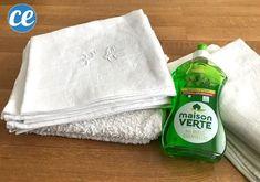 Comment blanchir le linge blanc facilement et naturellement ? Voici les meilleures astuces pour blanchir le linge ancien qui a jauni ou devenu gris en utilisant du : bicarbonate, vinaigre blanc, percabonate, aspirine, citron, eau oxygéné et sans utiliser de javel. Vous pouvez laver le linge à la main ou en machine pour le blanchir. #blanchirlinge Diy Cleaning Products, Napkins, Voici, Tableware, Gray, Cleanser, Cleaning Recipes, Natural Cleaning Products, White Vinegar