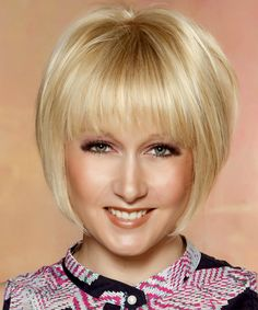 View yourself with this Short Straight Formal Bob Hairstyle with Layered Bangs - Light Golden Blonde Hair Color with Light Blonde Highlights Short Straight Haircut, Short Hair Cuts, Short Hair Styles, Short Bob Hairstyles, Pretty Hairstyles, Bob Haircuts, Medium Hairstyle, Light Blonde Highlights, Color Highlights