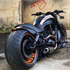 Harley Davidson News – Harley Davidson Bike Pics Vrod Harley, Motos Harley, Harley Bikes, Harley Davidson Bobber, Harley Davidson Custom, Vrod Custom, Custom Harleys, Custom Baggers, Custom Street Bikes