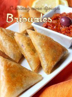 Briouates poulet vermicelle chinoise   La cuisine de Djouza Plats Ramadan, Tapas, Moroccan Dishes, Turnover Recipes, Algerian Recipes, Ramadan Recipes, Beignets, Arabic Food, Snacks