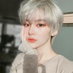 Pin on girl hairstyles Pin on girl hairstyles Korean Girl Ulzzang, Pelo Ulzzang, Ulzzang Hair, Short Hair Tomboy, Girl Short Hair, Short Girls, Short Hair Cuts, Tomboy Girl, Hairstyles Bangs