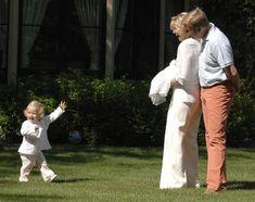 Prinses Catharina-Amalia met haar ouders, juli 2005