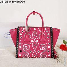 Новинка кожаная женская сумка малинового цвета с рисунком от Prada