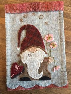 Gnome patterns - Hartly Gnome pattern for wool appliqué – Gnome patterns Motifs Applique Laine, Wool Applique Patterns, Felt Applique, Quilt Patterns, Applique Ideas, Sewing Appliques, Penny Rugs, Felted Wool Crafts, Felt Crafts