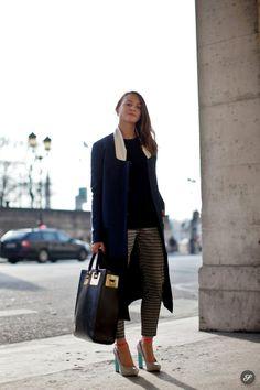 Street fashion photo of British women Katie in the streets of Paris.
