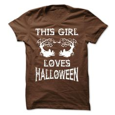 This girl loves Halloween - kids halloween party, halloween party for teens, adult halloween party fathersdaygifts mothersdayideas Adult Halloween Party, Halloween Drinks, Halloween Costumes For Teens, Halloween Camera, Halloween Activities, Family Halloween, Vintage Halloween, Halloween Pumpkins, Halloween Desserts