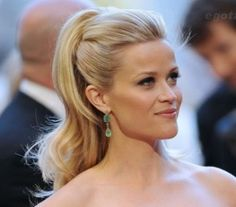 23 Reese Witherspoon Hairstyles- Reese Witherspoon Hair Pictures reece witherspoon half up half down hair styles Oscar Hairstyles, Ponytail Hairstyles, Down Hairstyles, Pretty Hairstyles, Wedding Hairstyles, Updos, Medium Hairstyles, Beach Hairstyles, Men's Hairstyle
