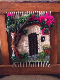 casa telar Weaving Textiles, Weaving Art, Weaving Patterns, Tapestry Weaving, Loom Weaving, Hand Weaving, Diy And Crafts, Arts And Crafts, Weaving Wall Hanging