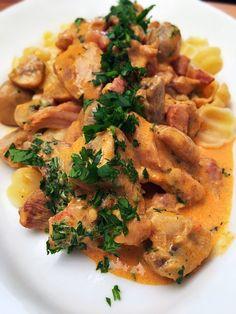 Így készíts szuper finom bakonyi csirkecombokat! Gourmet Recipes, Risotto, Paleo, Meat, Ethnic Recipes, Kitchen, Food, Drinks, February
