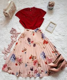skirts in 2019 fashion outfits, outfits, cute outfits. Korean Outfits, Mode Outfits, Skirt Outfits, Casual Outfits, Cute Fashion, Modest Fashion, Fashion Dresses, Pin Up Fashion, Pretty Outfits
