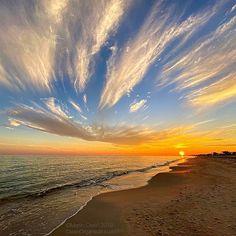 Vacation Resorts, Gulf Of Mexico, Island Life, Oysters, Family Travel, Coastal, Sunrise, Waves, Dreams