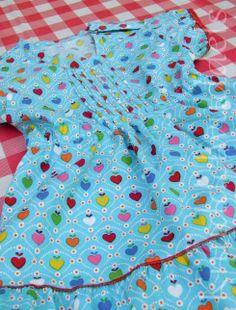 Rosita, Blusen-Schnitt von Bienvenido Colorido, ab dem 5.6. bei Farbenmix.de Bunt, Quilts, Blanket, Sewing For Kids, Quilt Sets, Quilt, Rug, Blankets, Log Cabin Quilts
