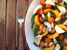 Bocadinhos de Açúcar: Salada de espinafres com pêssego e queijo de cabra...