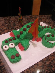 Dragon birthday cake!