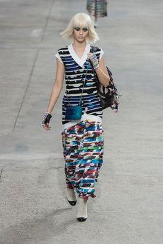 Chanel RTW SS 2014  #ChanelArt #SpringSummer2014 Visit espritdegabrielle.com   L'héritage de Coco Chanel #espritdegabrielle