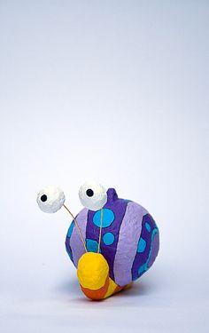 Figura colgante para móvil infantil. Mide: 7 x 9 x 11 cm.
