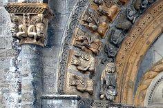 Cathédrale d' Oloron-Sainte-Marie . Travel And Tourism, Spain Travel, France Travel, Aquitaine, Attraction, Statues, Romanesque Architecture, Sainte Marie, Built Environment