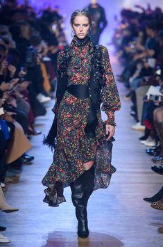 Elie Saab at Paris Fashion Week Fall 2018 - Runway Photos
