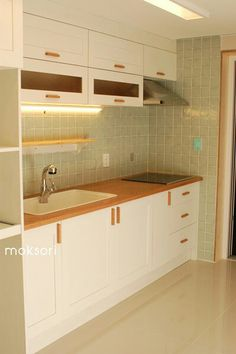 Ci31 모던 (일산 아파트) Material Ash, pine, cedar, MD Finished poly-varnish / water varnish /eco-paint designed by moksori / made by moksori place. moksori.kr / 031-945-2275 #원목싱크대 #신축주택가구 #주방인데리어 #주방리모델링 #이케아싱크대 #싱크대 #홈스타그램 #주방스타그램 #kitchen