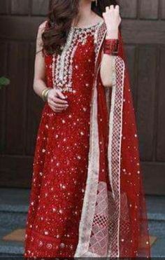 Dress Indian Style, Indian Fashion Dresses, Indian Fashion Trends, Asian Fashion, Women's Fashion, Pakistani Dress Design, Pakistani Outfits, Ethnic Outfits, Indian Outfits