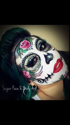 Cool sugar skull make up Day Of Dead Makeup, Day Of The Dead Mask, Candy Skull Makeup, Candy Skulls, Sugar Scull, Sugar Skull Art, Sugar Skull Halloween, Halloween Halloween, Vintage Halloween