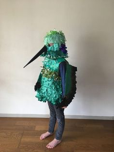 Cardboard and Origami Paper Hummingbird Costume Cardboard Costume, Diy Cardboard, Cool Costumes, Halloween Costumes, Amazing Costumes, Costume Ideas, Fun Crafts, Crafts For Kids, Bird Costume