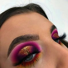 Eye makeup will complement your beauty and make you look and feel dazzling. Learn the way in which to use make-up so that you can show off your eyes and impress. Discover the top ideas for applying makeup to your eyes. Glam Makeup, Baddie Makeup, Cute Makeup, Skin Makeup, Makeup Inspo, Eyeshadow Makeup, Makeup Inspiration, Drugstore Makeup, Makeup Ideas