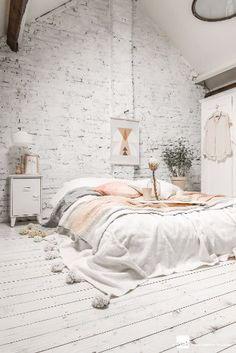 Industrial Style Bedroom / See more at: http://www.homedesignideas.eu/ideas-bedroom-designs-fall-season/